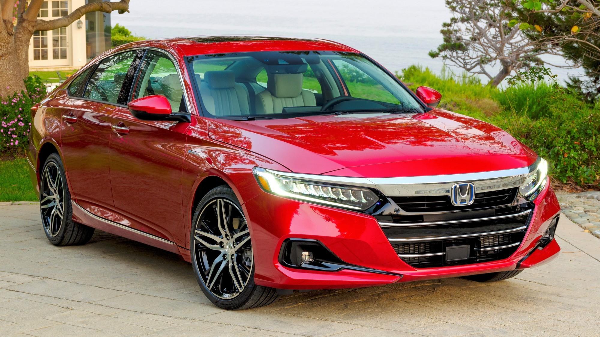 Обновлённый Honda Accord: теперь без «механики» и с более комфортными настройками