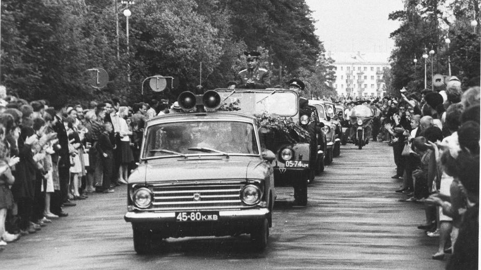 Москвич-408 Приезд Ю.А. Гагарина в Обнинск 31 5 1966