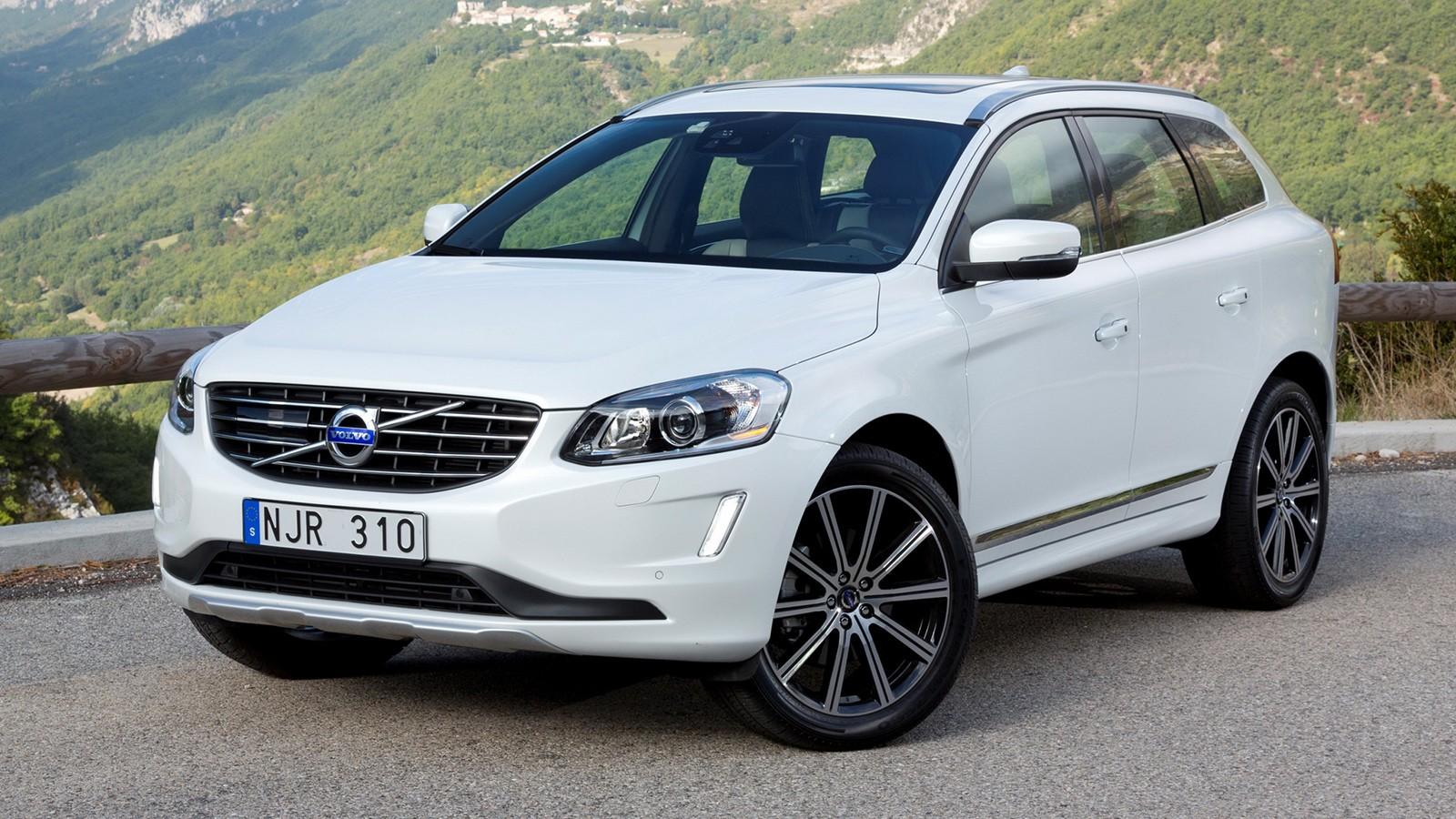 На фото: актуальная генерация Volvo XC60. Цена в России — от 2 468 000 рублей