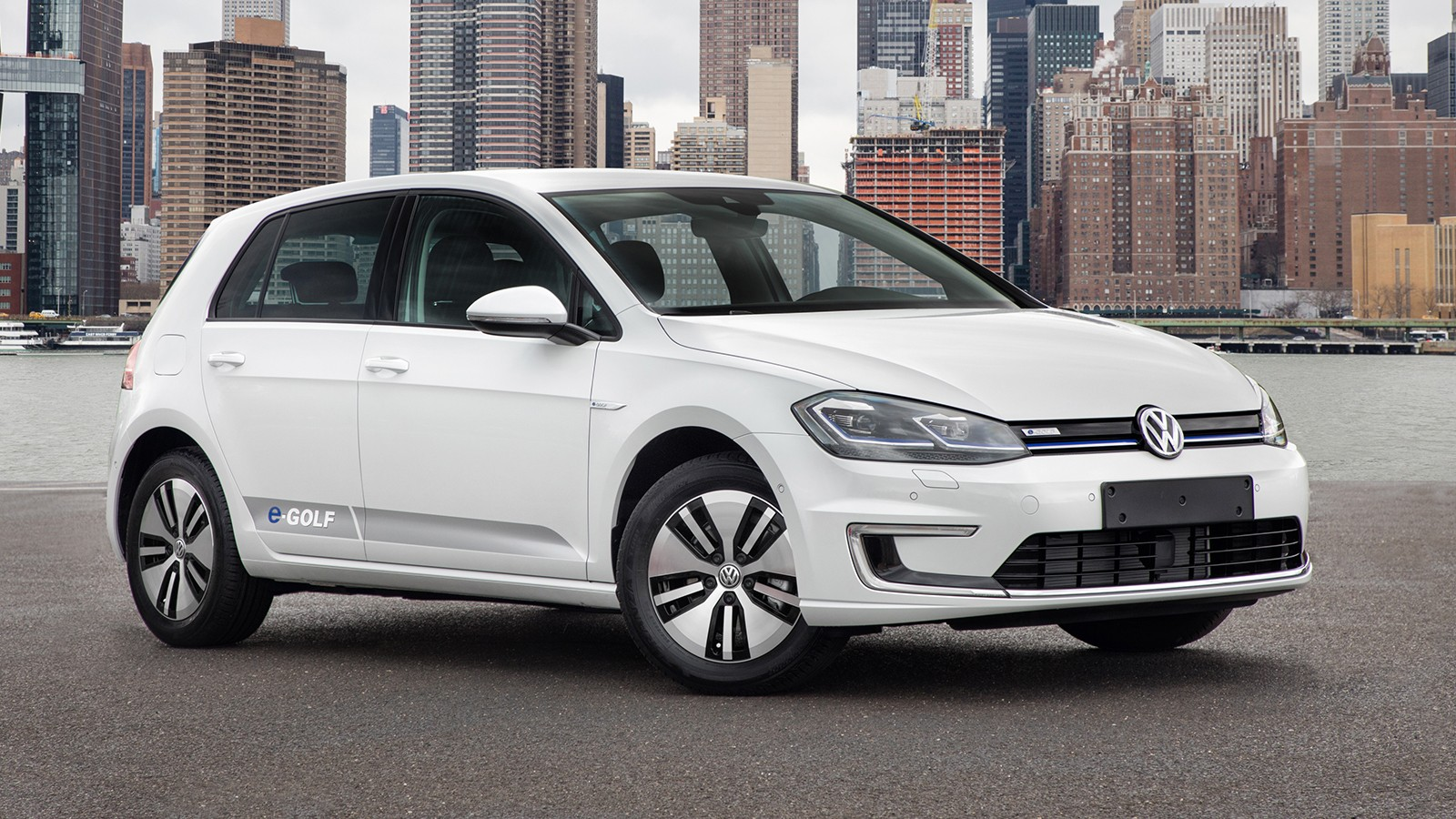 На фото: VW e-Golf