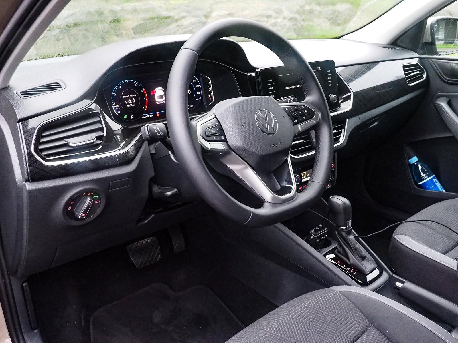 Он вам больше не седан: тест-драйв нового VW Polo