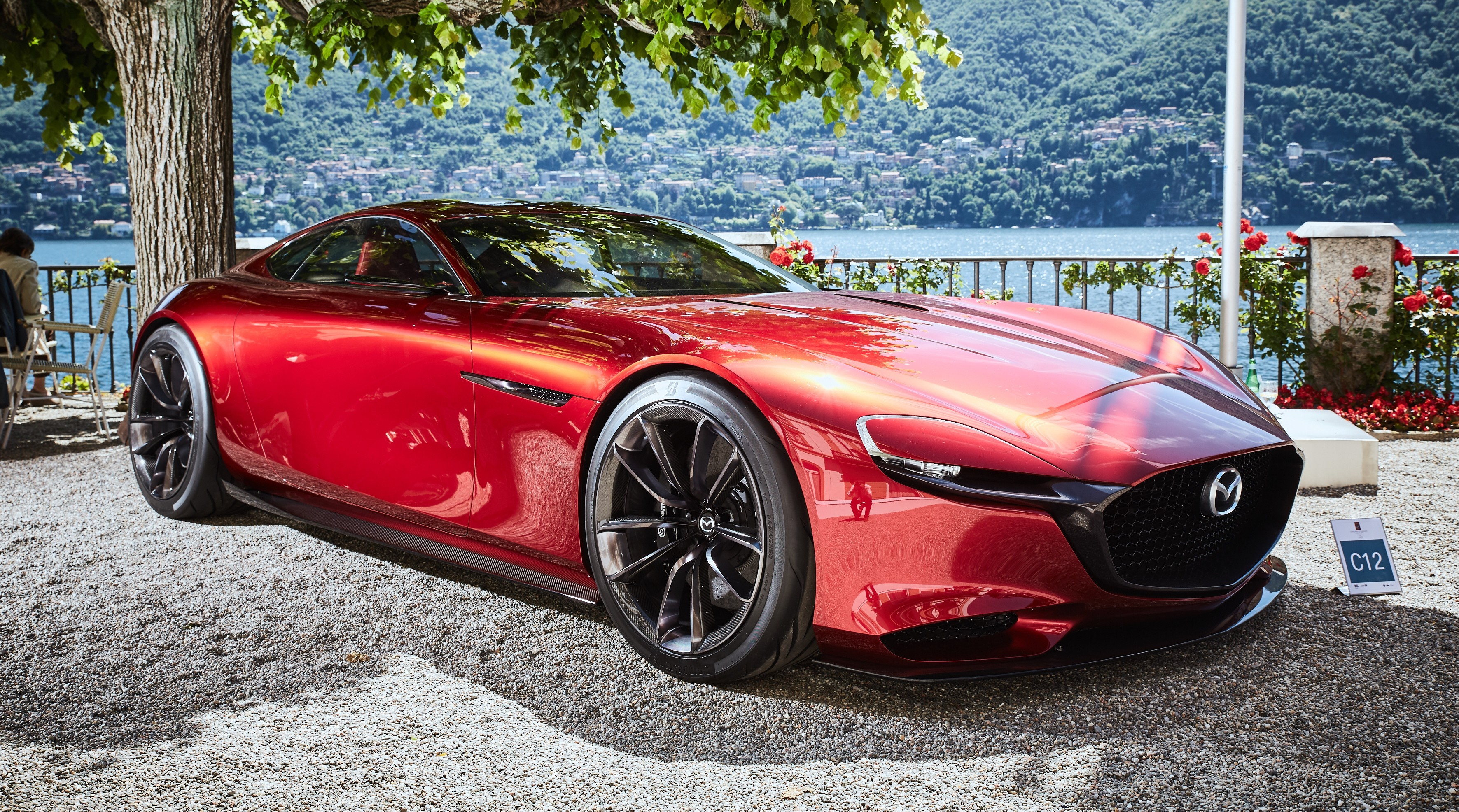 На фото: концепт Mazda RX-Vision