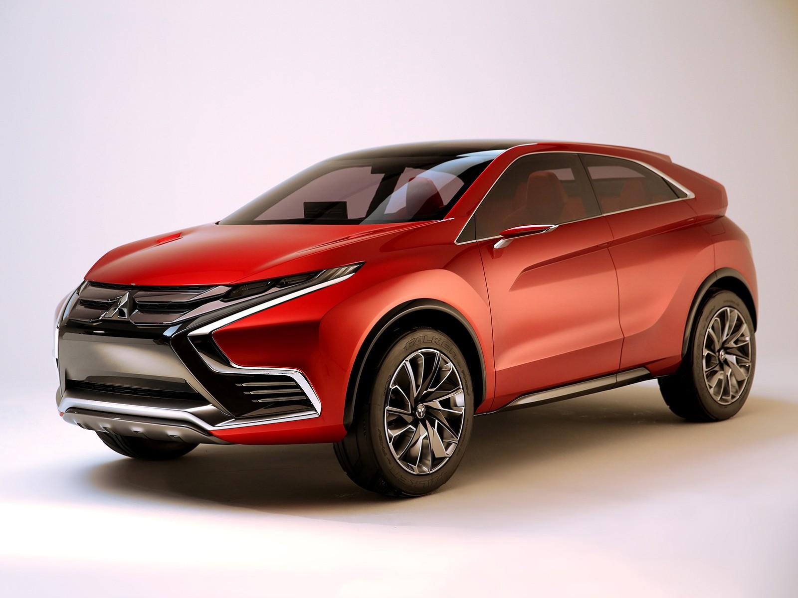 На фото: Mitsubishi XR-PHEV II Concept '2015