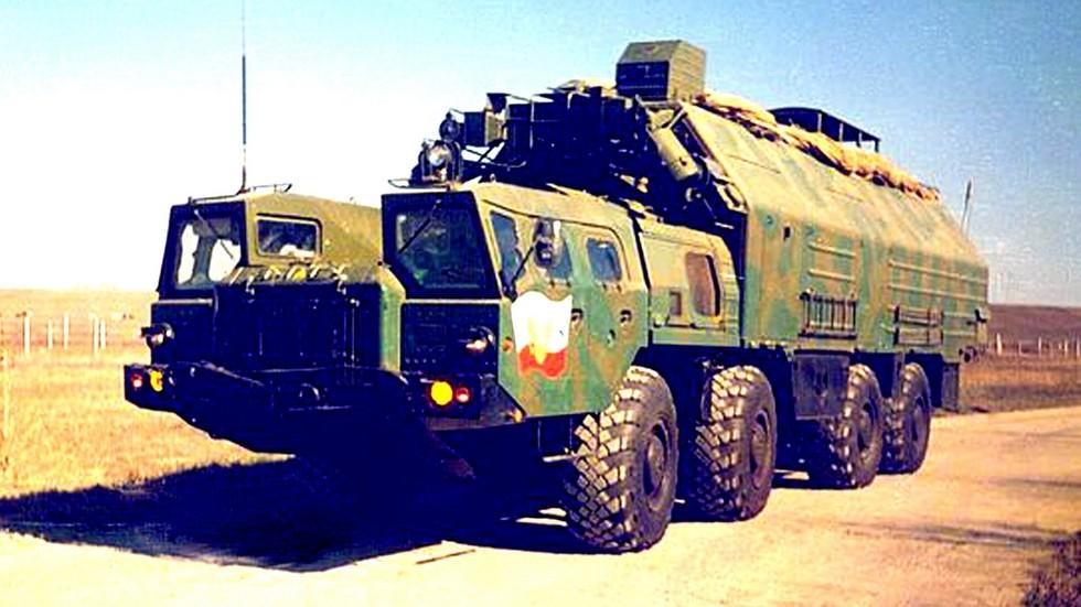 Машина боевого управления в неостекленном кузове на автомобиле МАЗ-543А