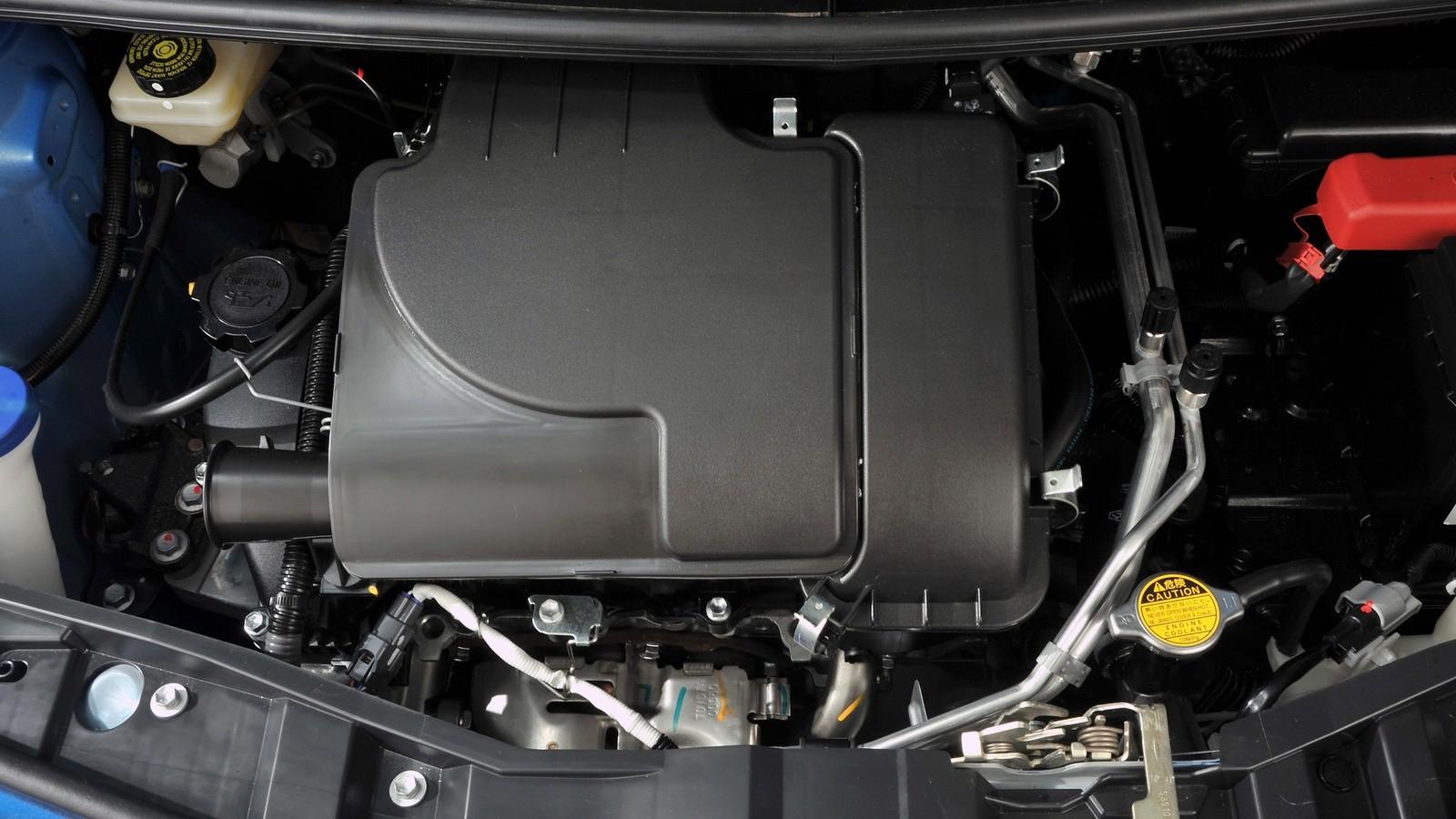 Под капотом Toyota Aygo 5-door ZA-spec '2008–12