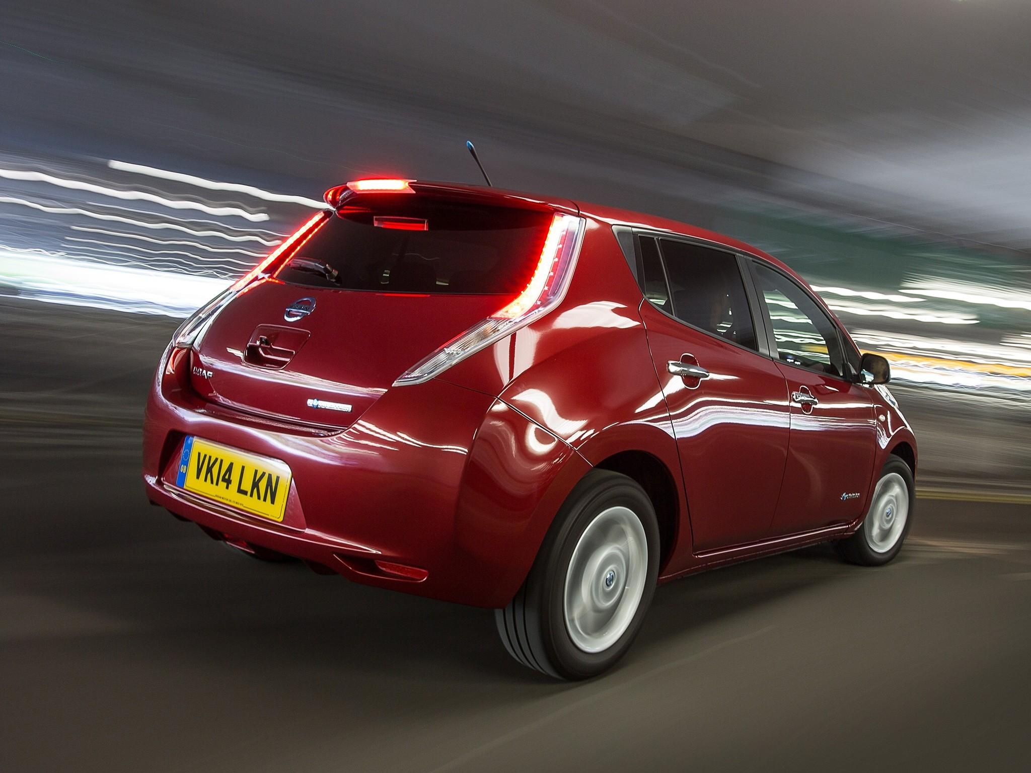 На фото: Nissan Leaf