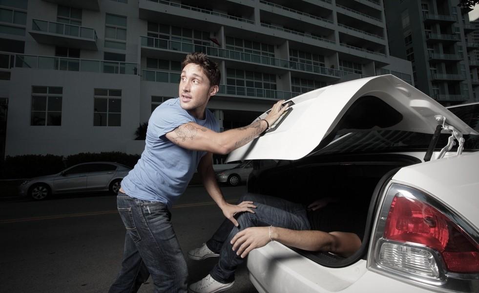 Когда сотрудник ДПС имеет право досматривать авто по закону?