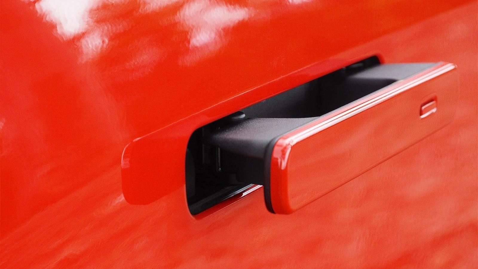 Jaguar I-PACE красный дверная ручка