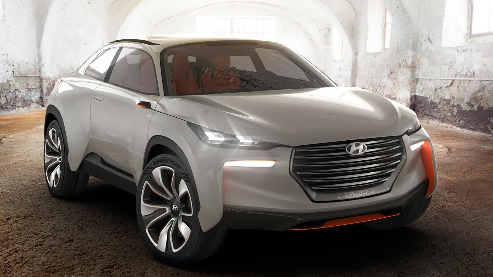 На фото: Hyundai Intrado Concept '2014. Заужение фар стало трендом Хёндэ после премьеры этого шоу-кара