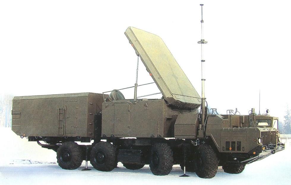 Радиолокатор наведения 30Н6 зенитного комплекса С-300ПМУ на шасси МАЗ-543М
