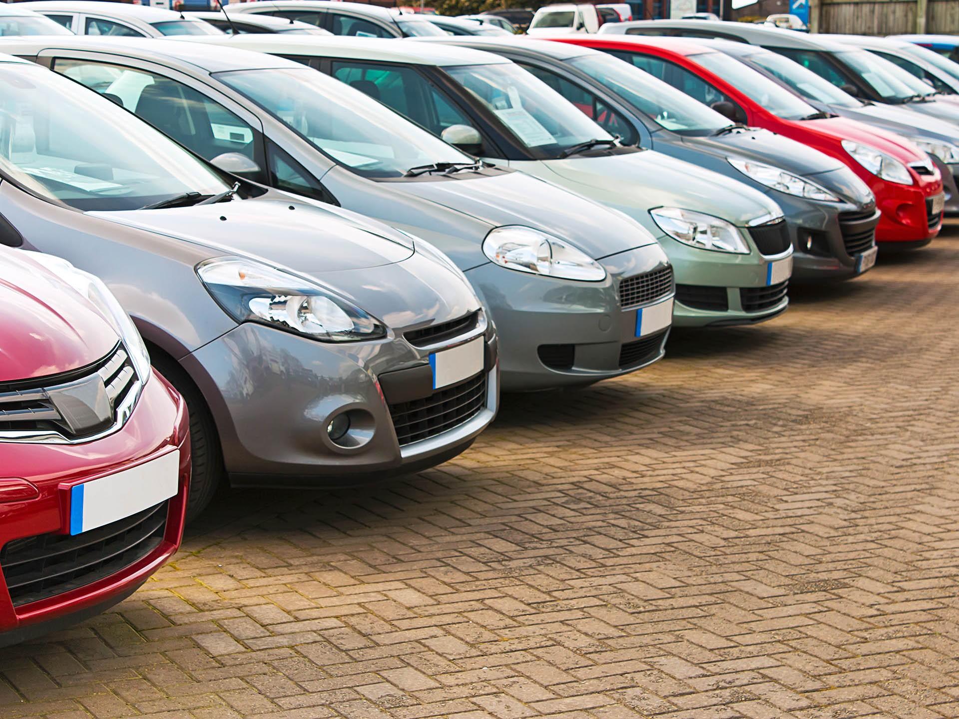 Авито Авто: эксперты назвали самые популярные на вторичном авторынке иномарки и отечественные автомобили в начале 2021 года