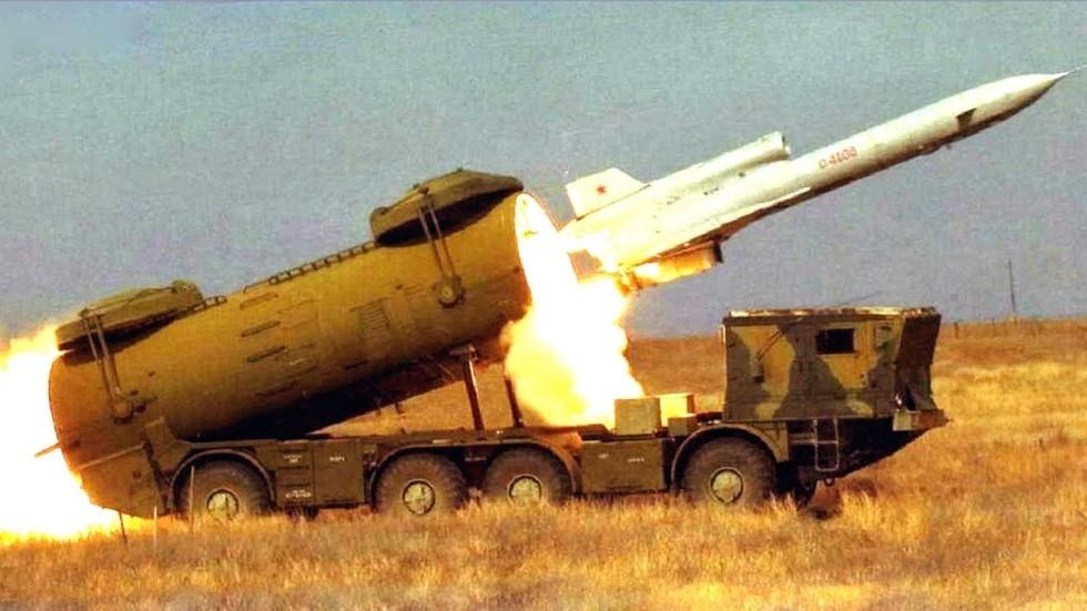 Запуск разведывательного самолета Ту-243 с установки СПУ-243 (из архива Р. Данилова)