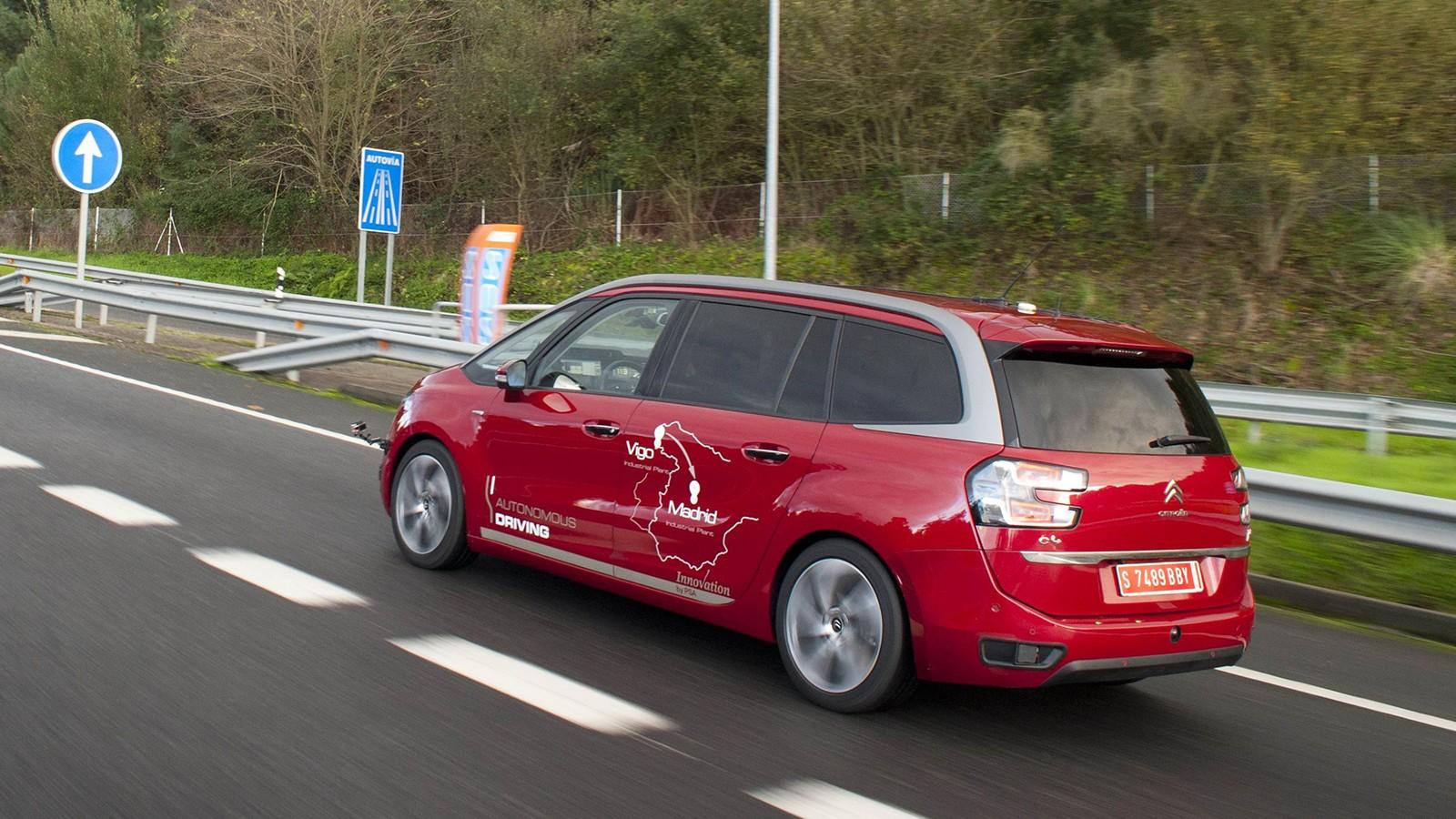 vehicule_autonome_road_0