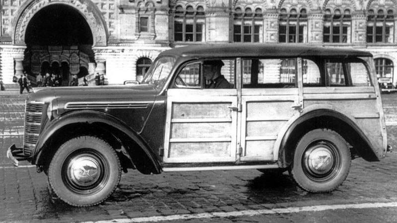 Москвич-400-421--Первый-образец-1946-с-дверями,-открываемыми-по-ходу