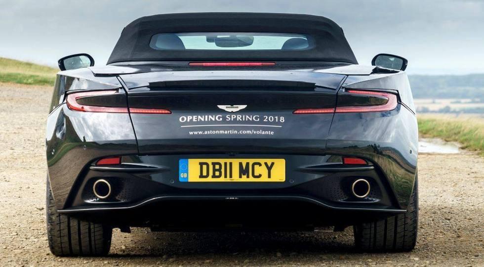 На фото: Aston Martin DB11 Volante