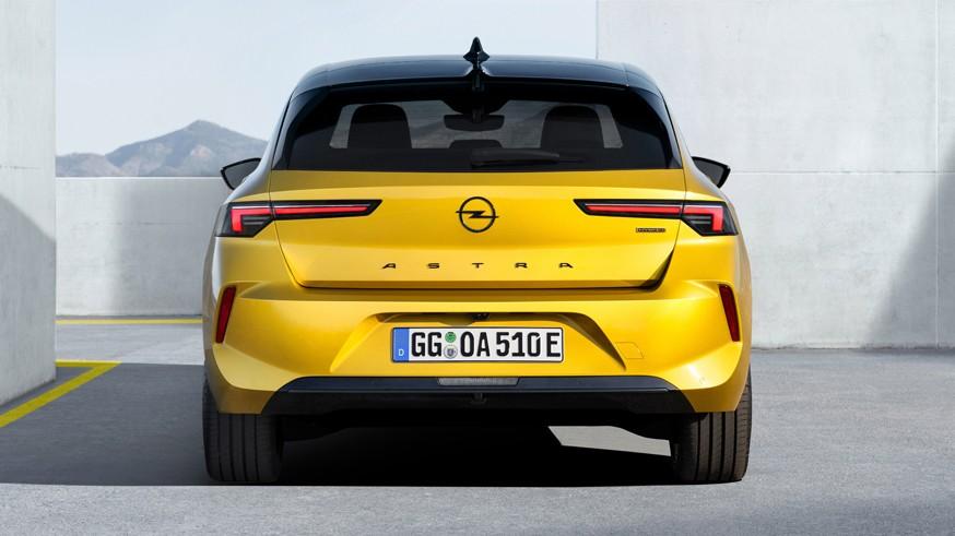 Вдогонку хэтчбеку: первое изображение нового Opel Astra Sports Tourer
