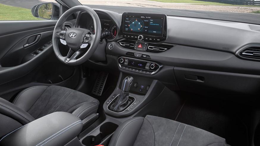 «Заряженный» хэтчбек обновился: Hyundai рассказал о «посвежевшем» i30 N