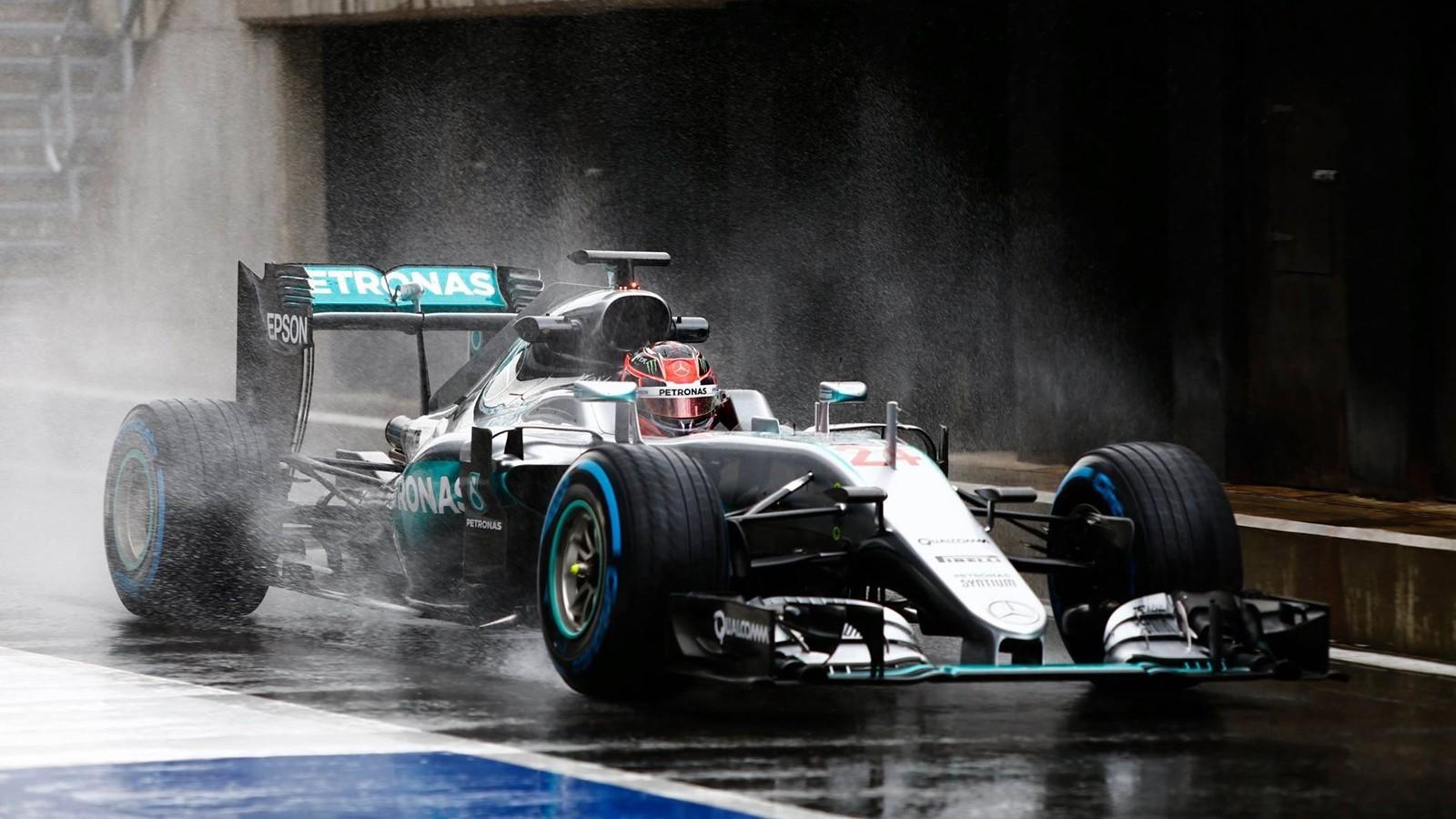 Mercedes одной из первых команд протестирует новые шины Pirelli