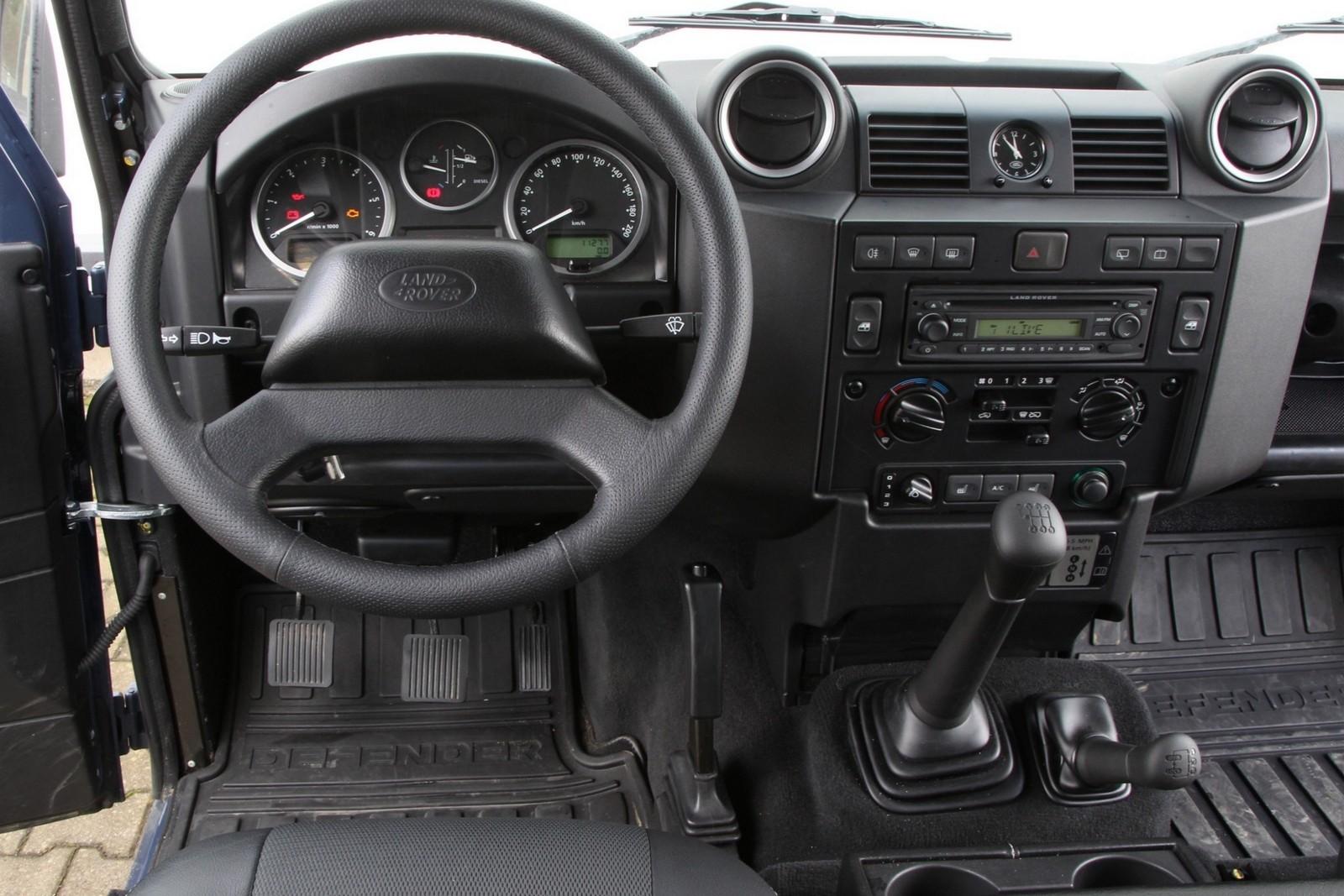 Торпедо Land Rover Defender 110 Station Wagon Worldwide '2007–н.в.