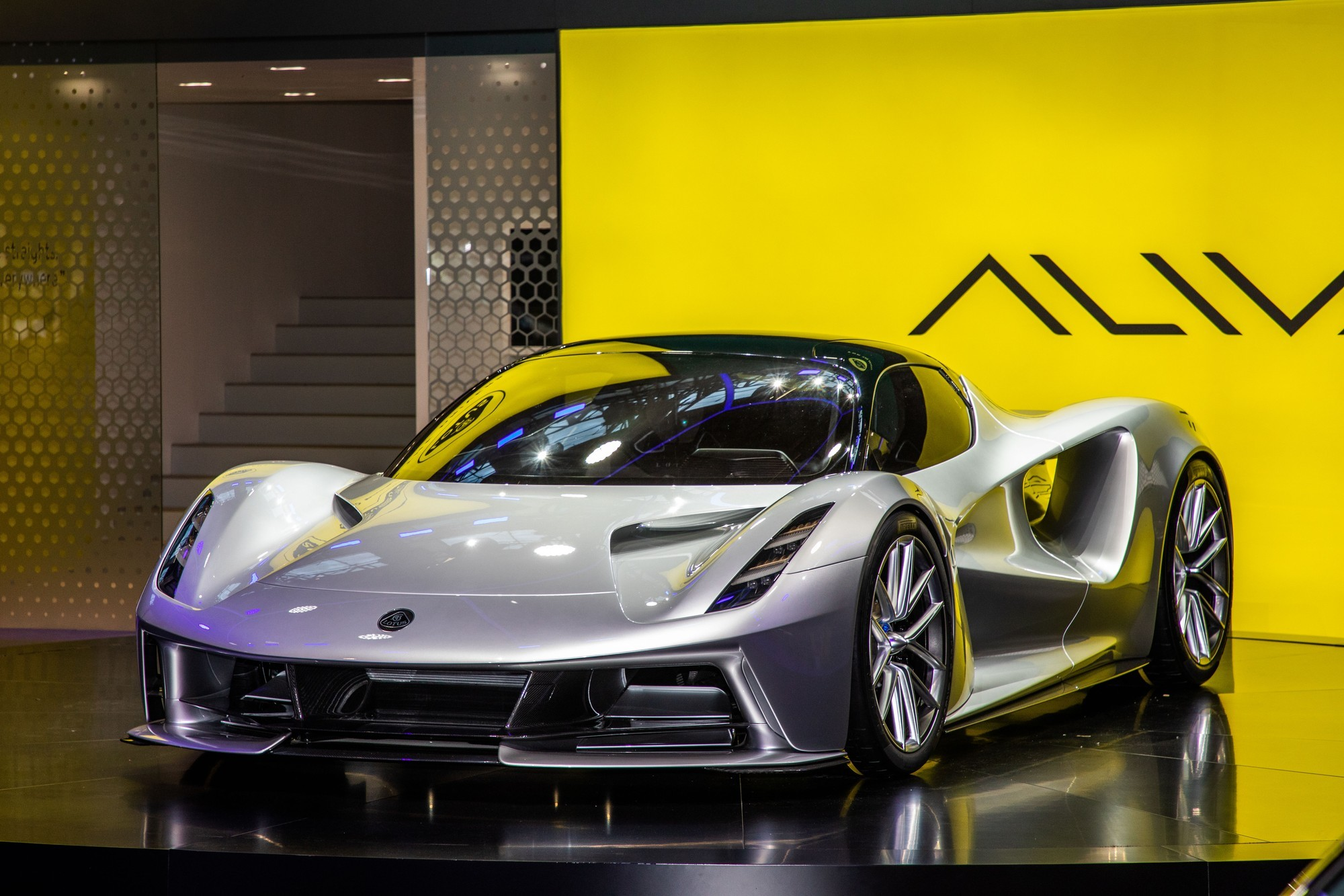 Ушли, не заплатив: Williams подаёт в суд на компанию Lotus Cars
