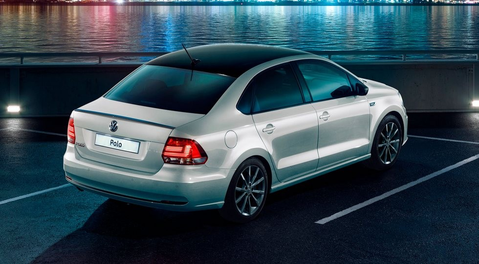 volkswagen_polo_drive_back_small
