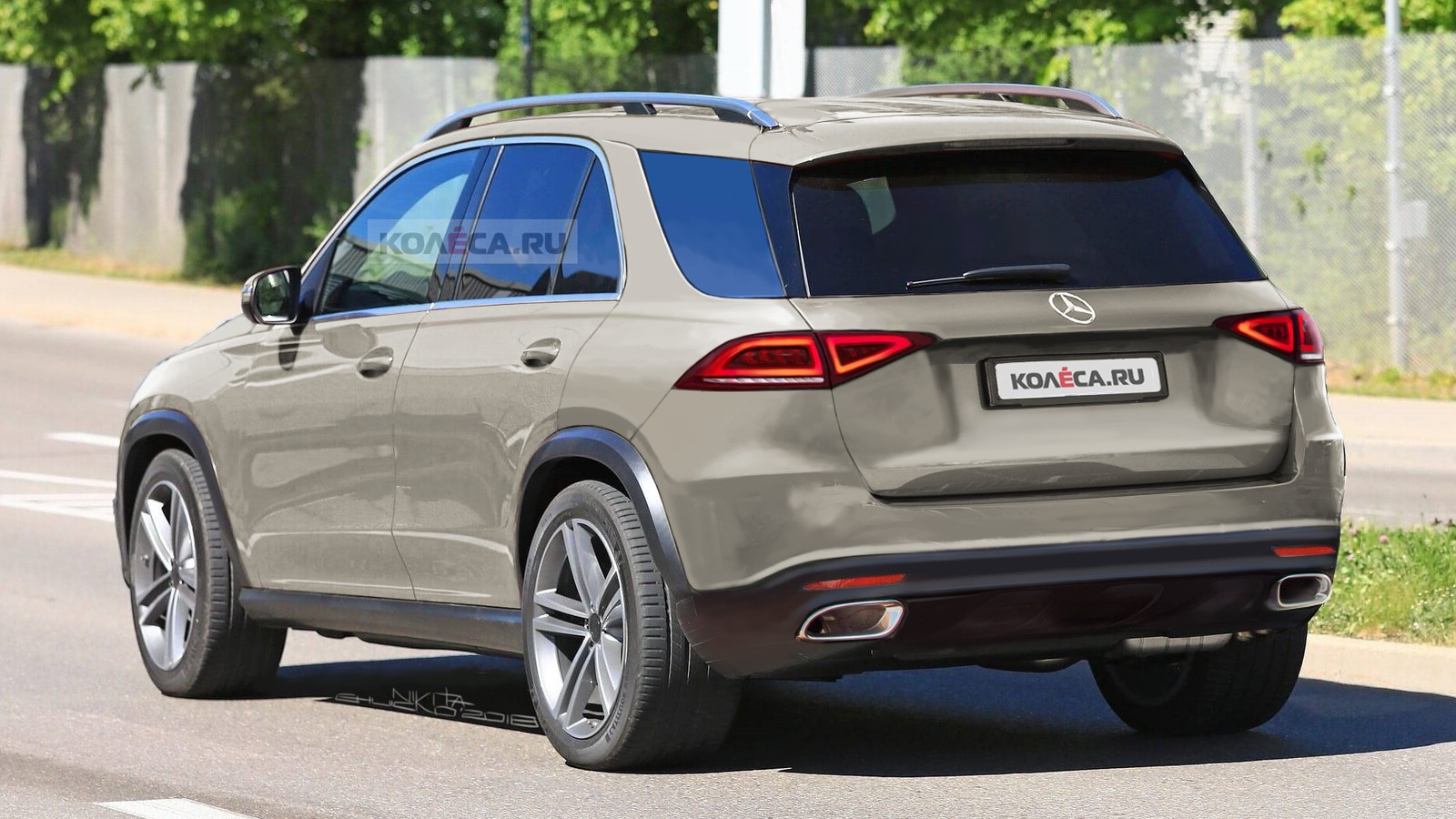 Mercedes-Benz GLE2 rear2