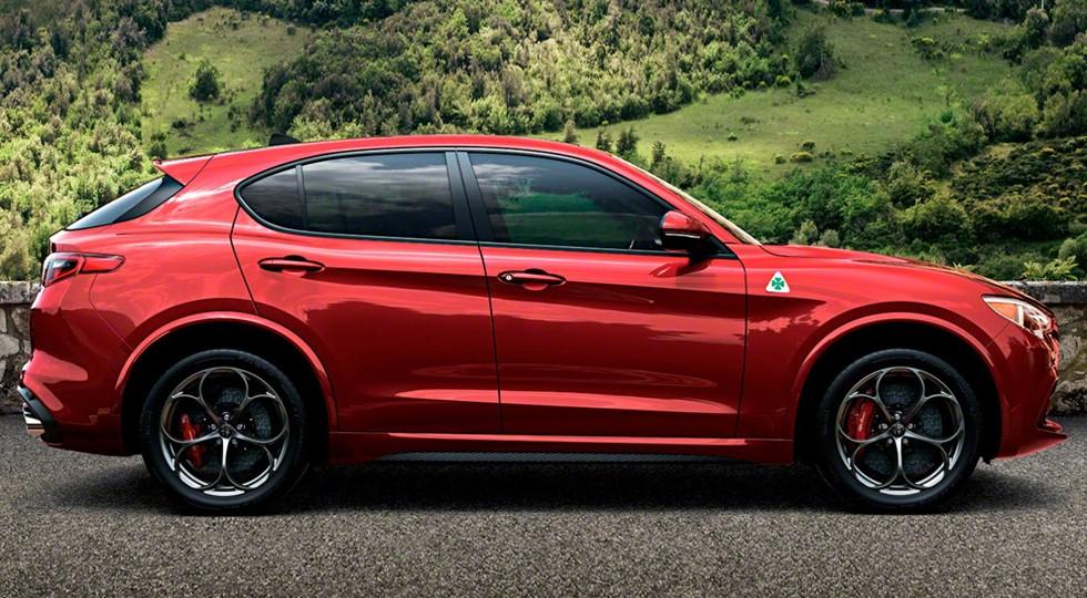 На фото: Alfa Romeo Stelvio