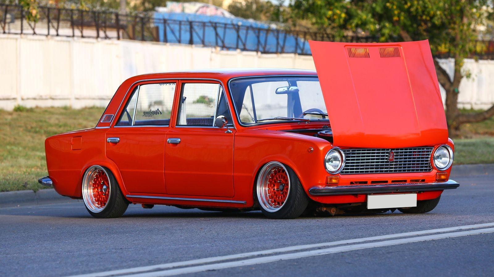 Восемь красное: тюнинг ВАЗ-21013
