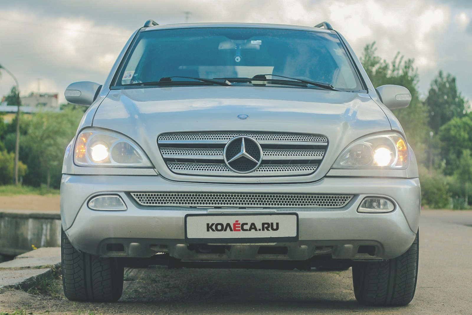 Mercedes-Benz ML W163 спереди