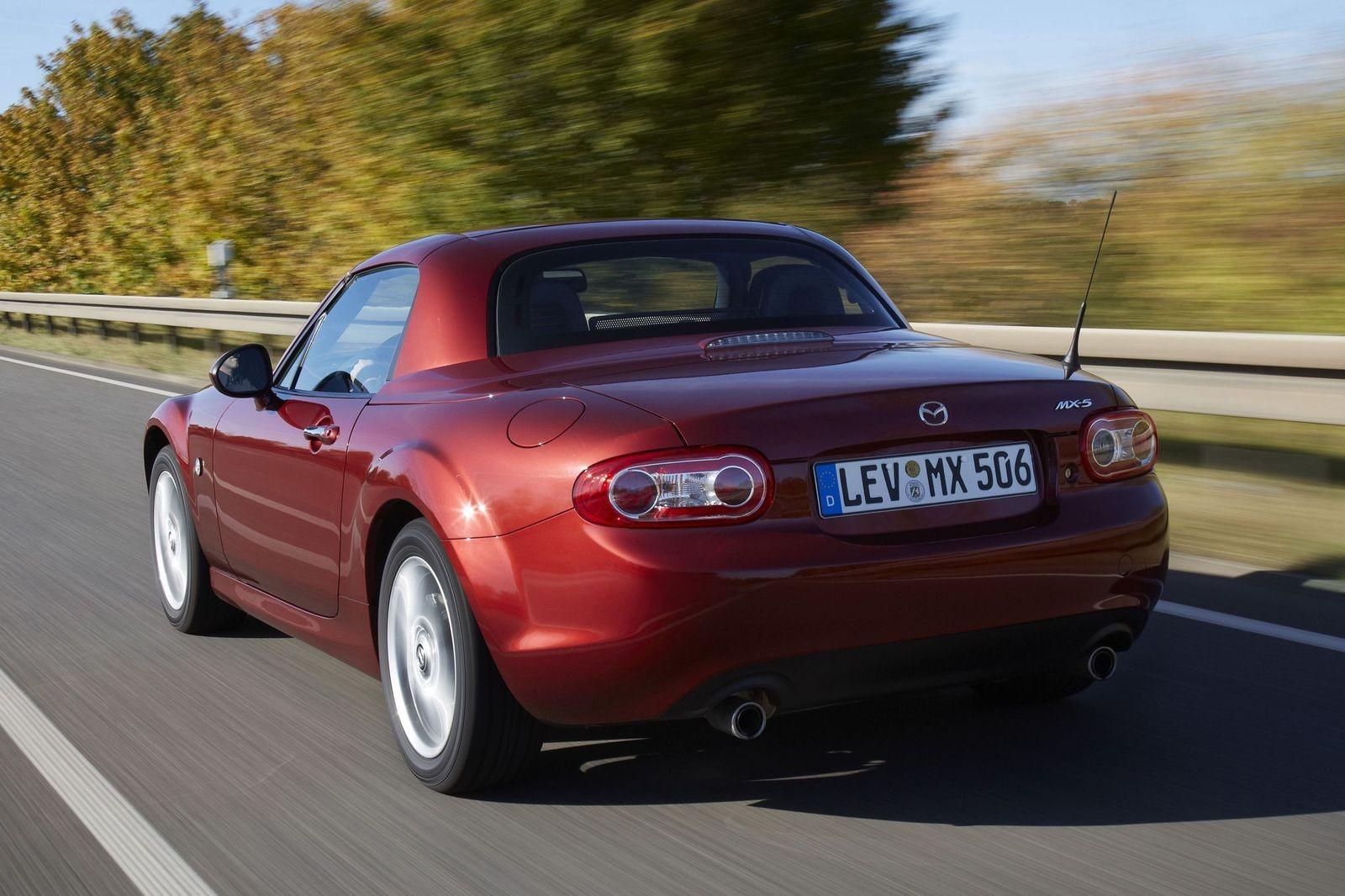 И на лето, и на зиму: стоит ли покупать Mazda MX-5 III NC за 1,5 миллиона рублей