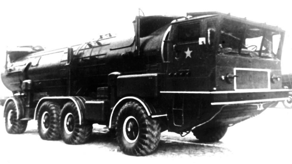 Пусковая установка 2П30 на брянском шасси ЗИЛ-135К (из архива 21 НИИЦ)