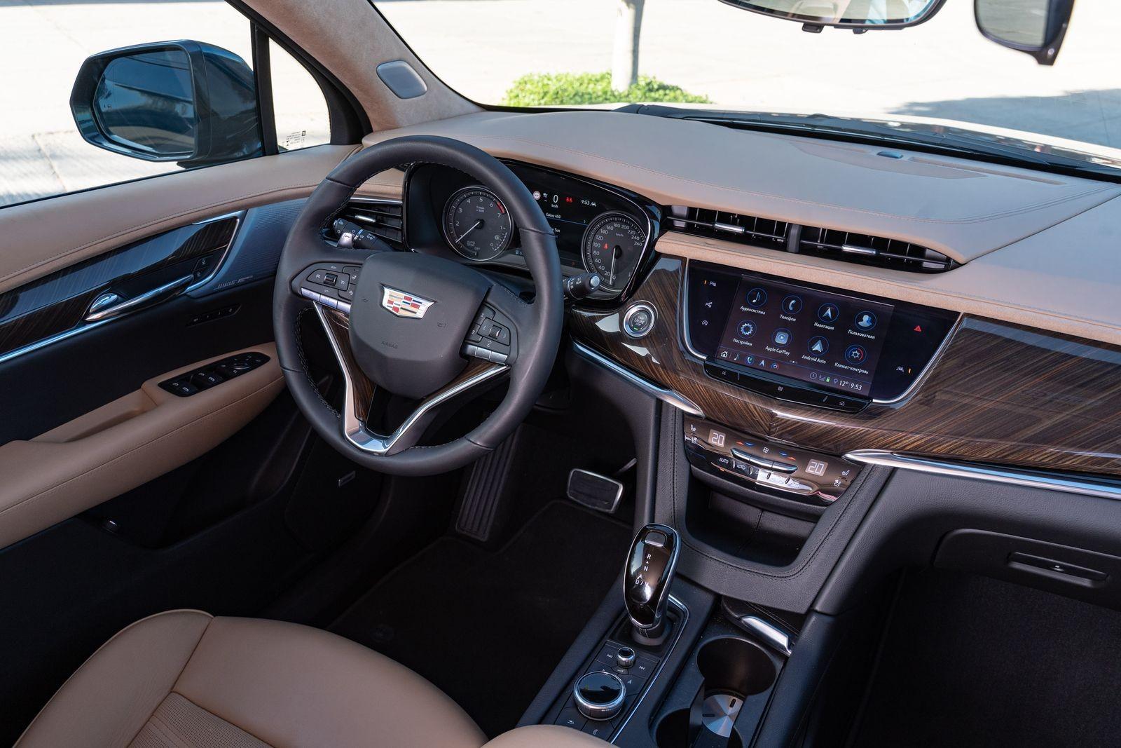 Раз, два, три – лампочка, гори! Первый тест-драйв Cadillac XT6