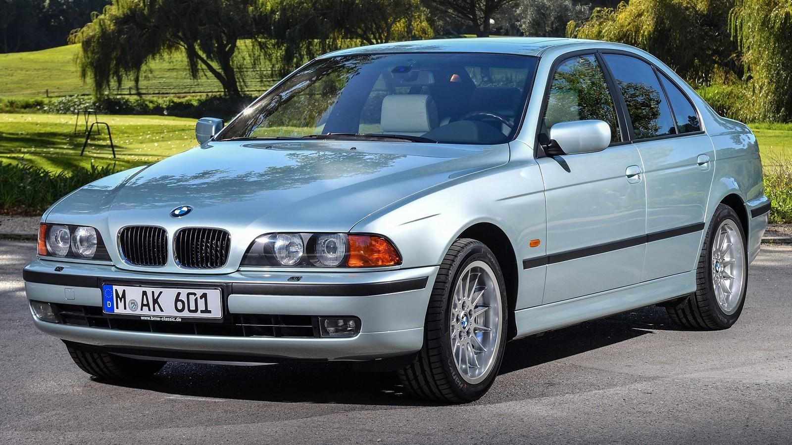 BMW (E39) вид три четверти