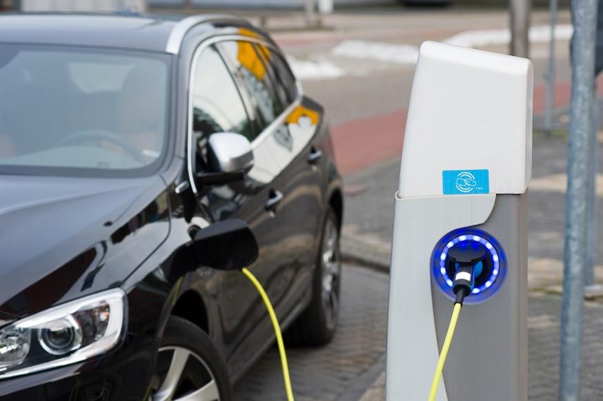 Владельцам электромобилей в России готовят новые льготы