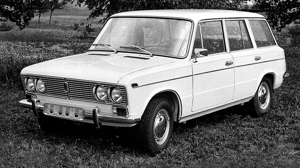 Такой автомобиль действительно существовал, но... всего в трёх экземплярах