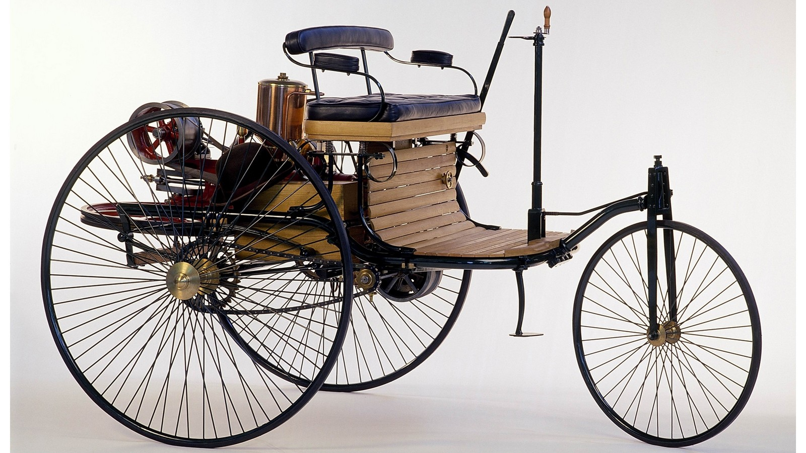 На фото: Benz Patent-Motorwagen