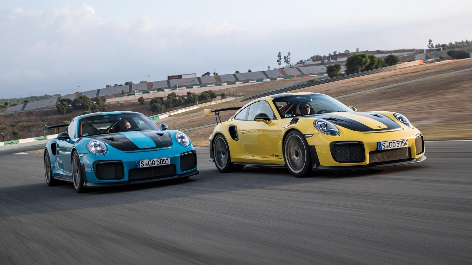 На фото: Porsche 911 GT2 RS '2017