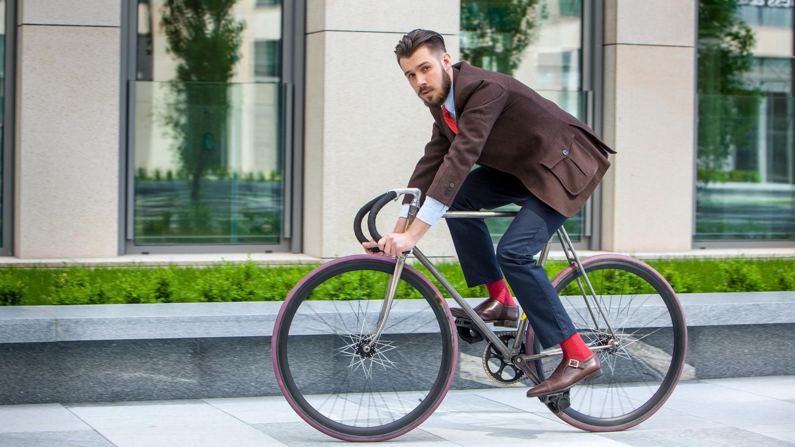 Как надо ездить на велосипеде по дорогам