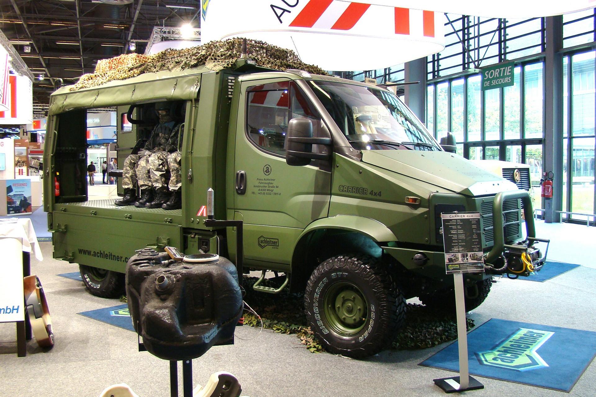 Легкий 2,5-тонный военный грузовик Achleitner Carrier с обычной кабиной