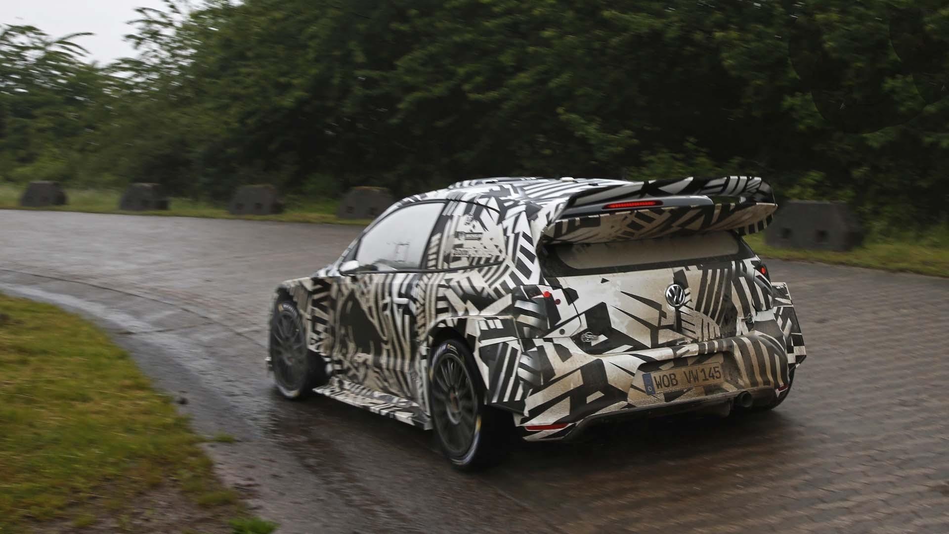 Машина от Volkswagen пока красуется в камуфляже