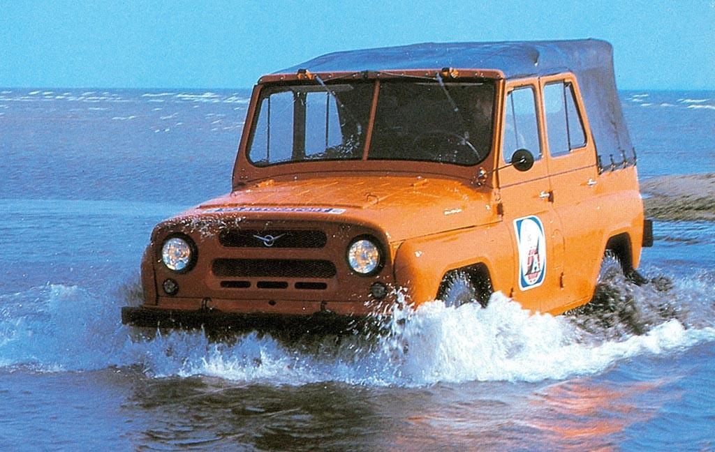 Чужой мотор, скопированный дизайн и итальянская сборка: мифы и факты про УАЗ-469