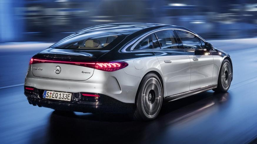 Mercedes планирует делать упор на электрокары, но пока не готов попрощаться с традиционными ДВС