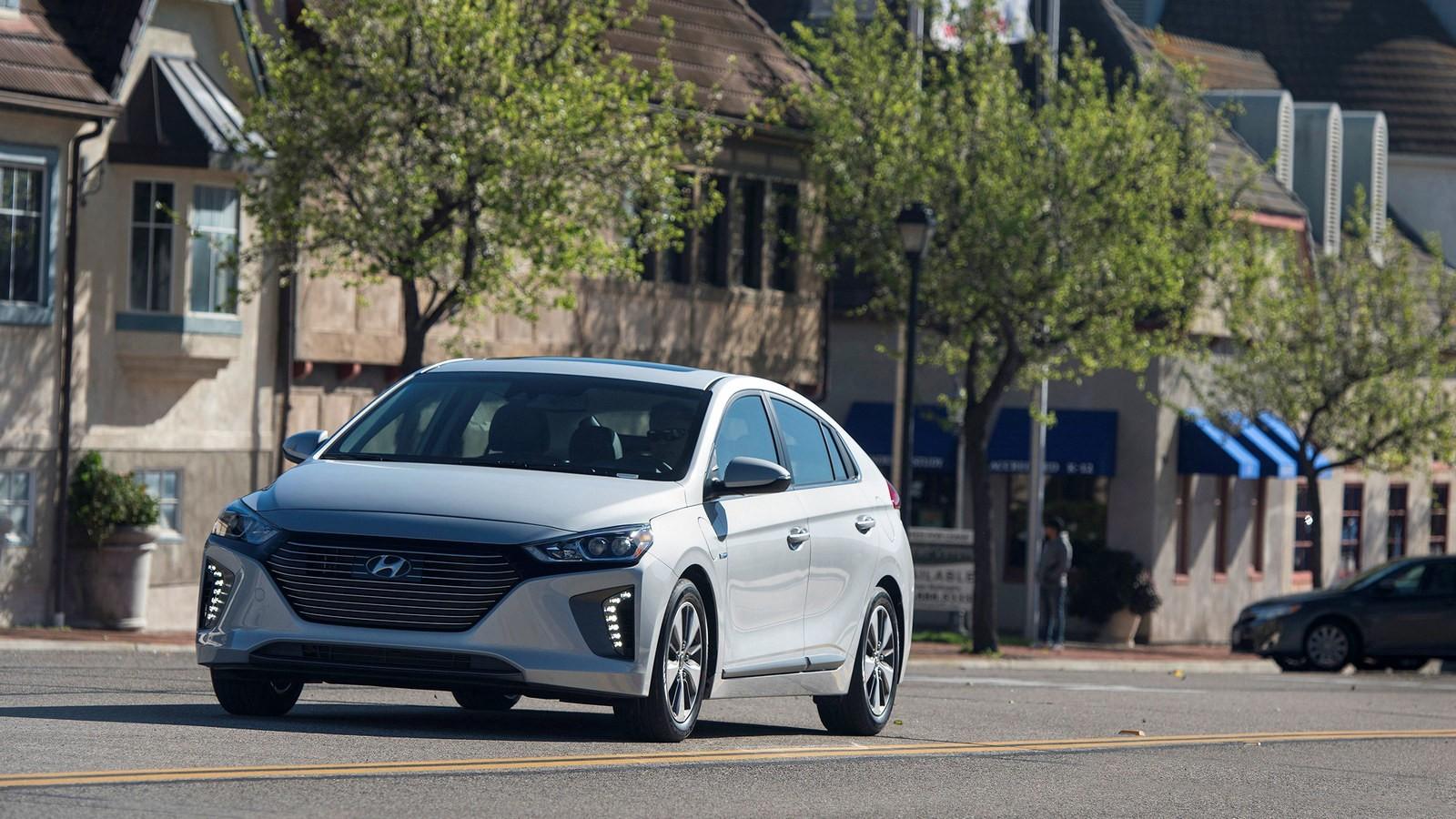 Hyundai Ioniq (стандартная версия)