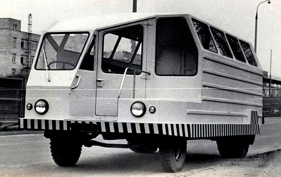 Рабочая машина САК со стальным кузовом и задними электромотор-колесами