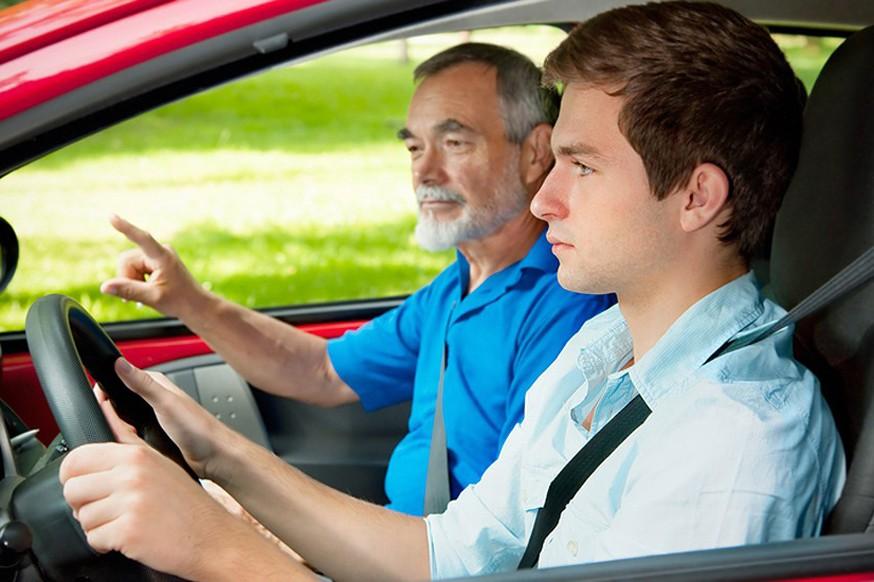 Водитель молодеет: за руль в России хотят пустить семнадцатилетних