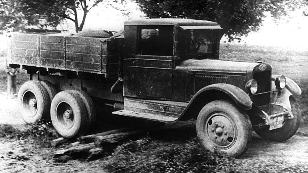 Опытный трехосный грузовик АМО-6 с червячными главными передачами