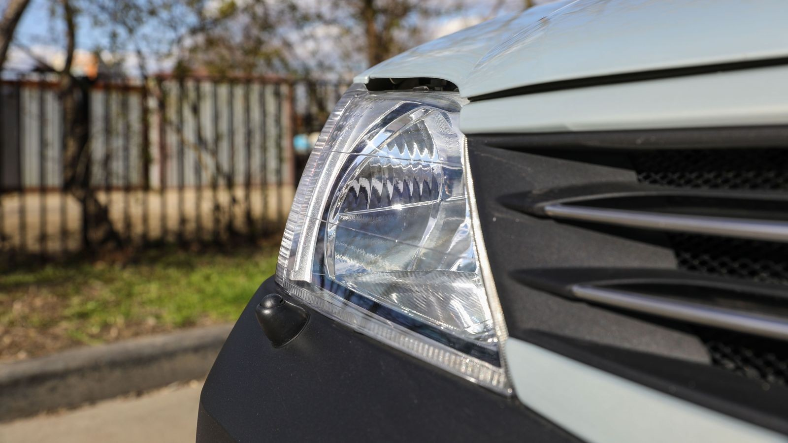 Renault Logan I с пробегом: бахрома на дверях и облой на пластике