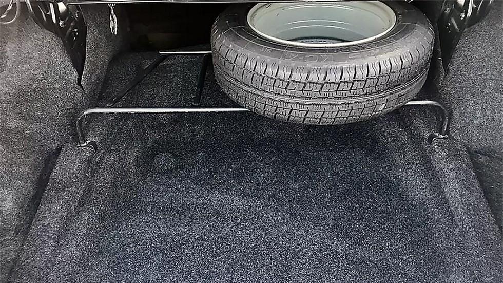 Запасное колесо «сто пятой» так и не переехало в подполье багажника