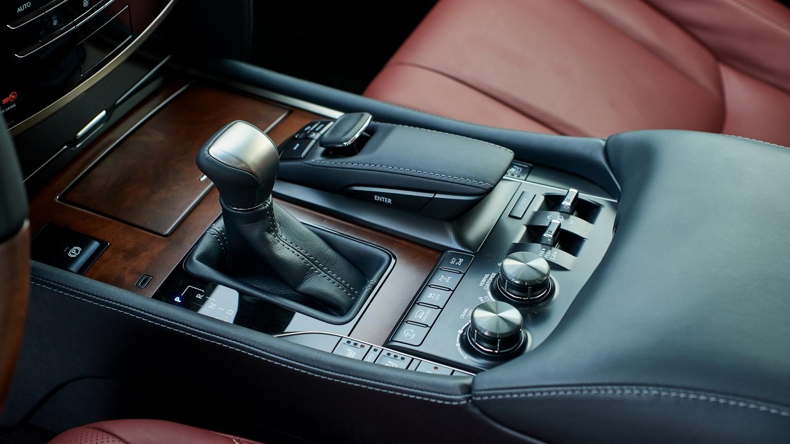 Lexus_LX_450D_062