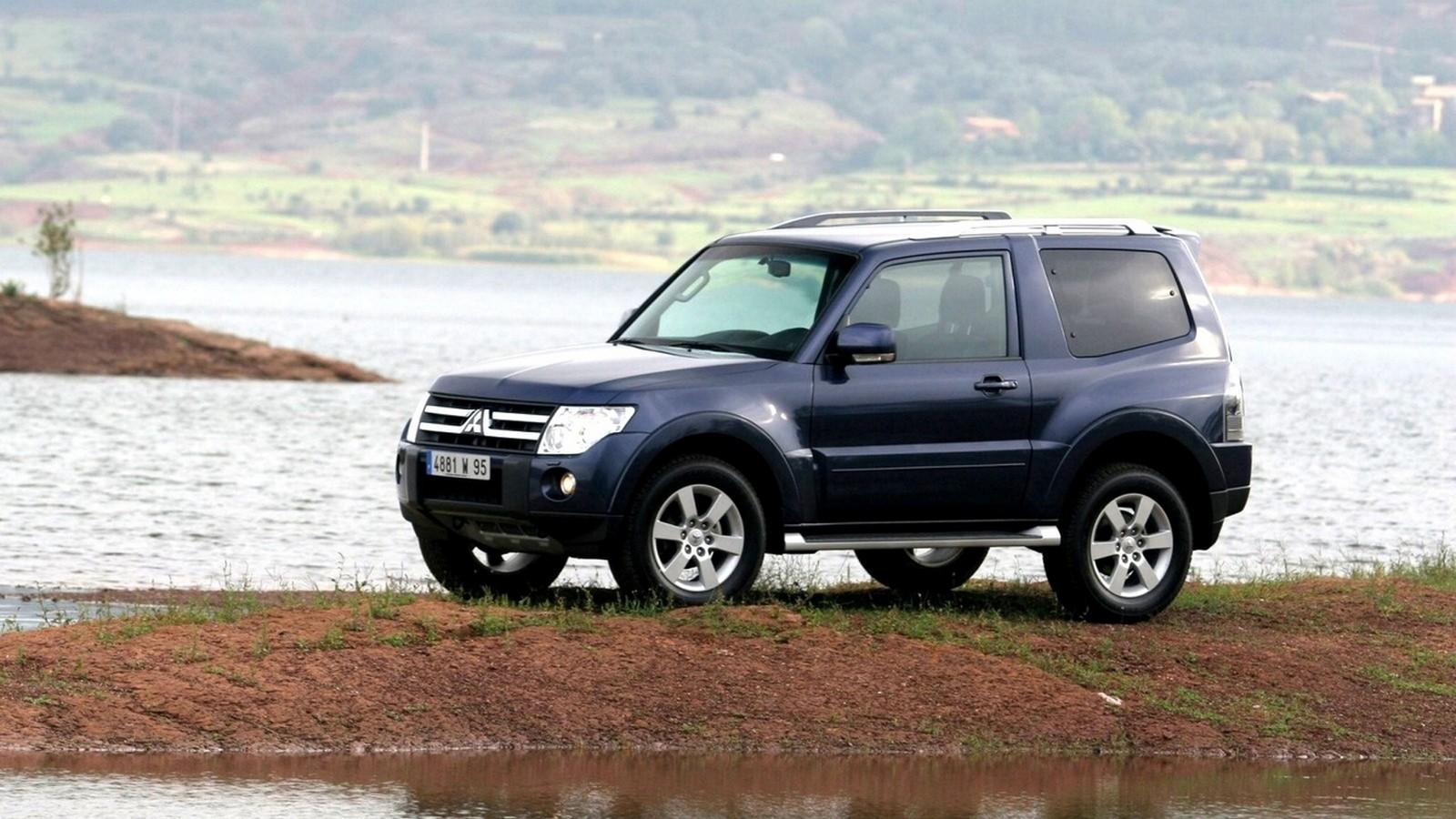 На фото: Mitsubishi Pajero IV